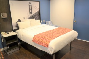 Super8 Hotel - Lombard Street Hotel Guest Rooms