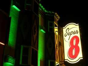 Super8 Hotel - Super8 in Victorian Style